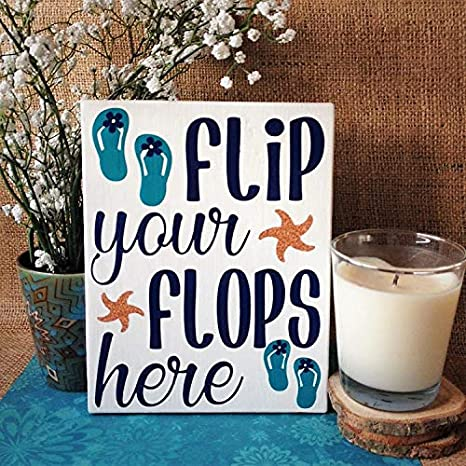 Amazon Com Rfy9u7 Flip Your Flops Here Beach House Welcome Sign Beach House Decor Nautical Wood Sign Summer Welcome Sign Flip Flop Sign Home Kitchen