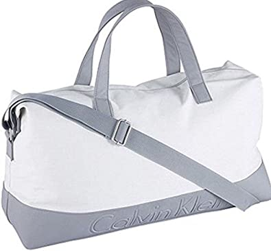 6fac06793b63 CLASSIC CALVIN KLEIN SHOULDER GYM   DUFFLE BAG  Amazon.co.uk  Shoes   Bags