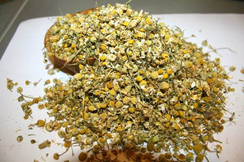 Organic Bio Herbs-Organic Dried Chamomile German Flowers (Recuitita Matricaria) 6 Oz. (Dried Herbs Flowers)