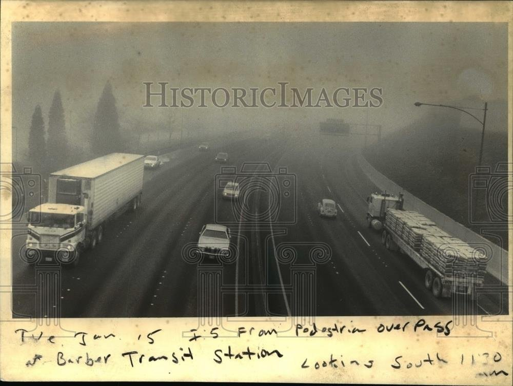 Amazon com: 1985 Press Photo Traffic through the fog-Interstate 5