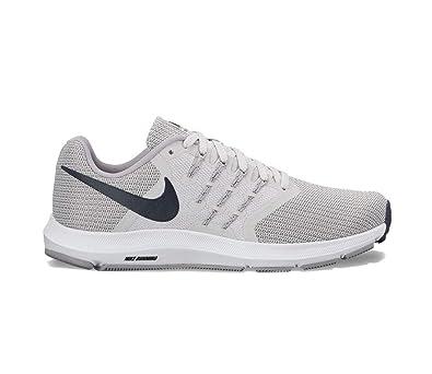 Nike Damen WMNS Run Swift Laufschuhe, Rosa