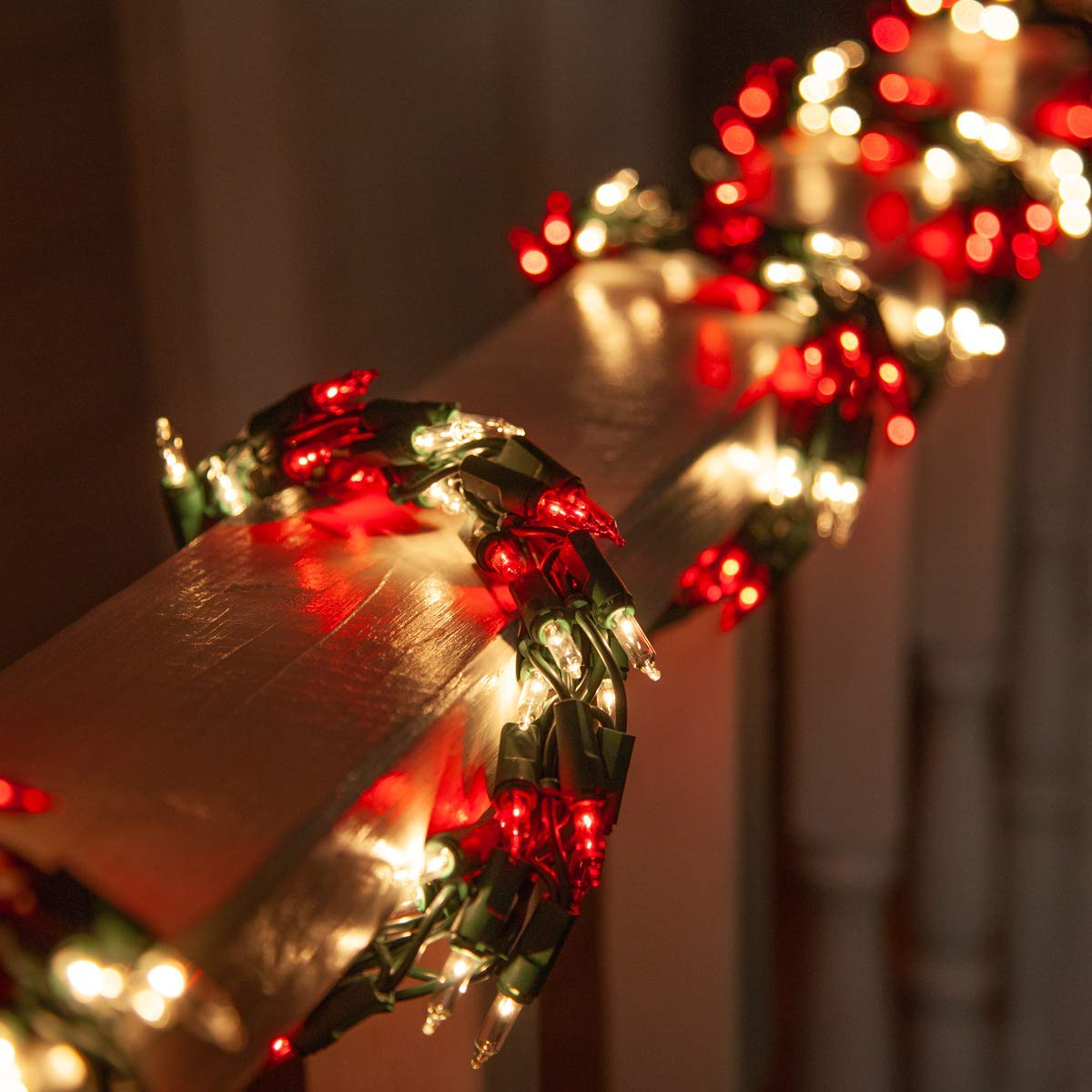 9' Red and White Garland Lights on Green Wire