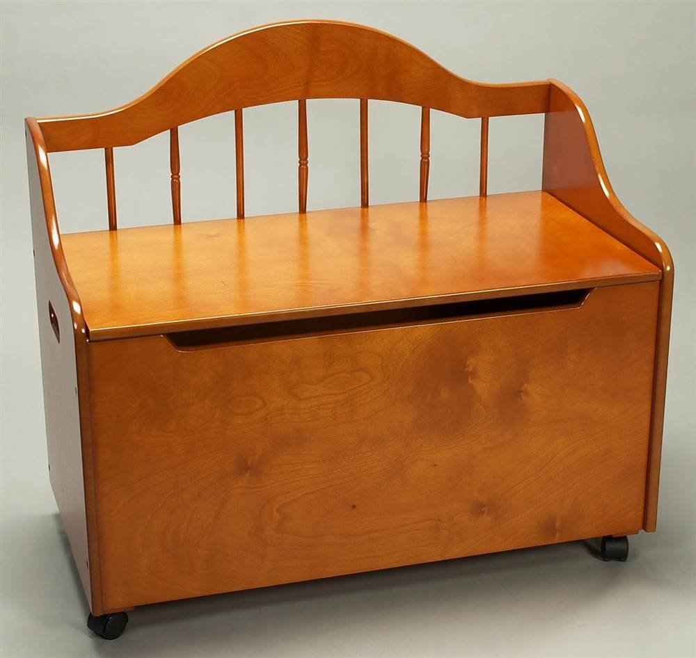 Gift Mark Honey Deacon Style Toy Box with Spindle Back and Casters, Honey by Gift Mark