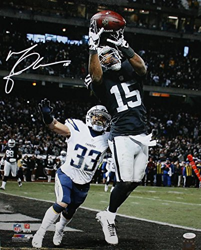 Michael Crabtree Autographed Oakland Raiders 16x20 Catch vs Chargers ... f661a949d