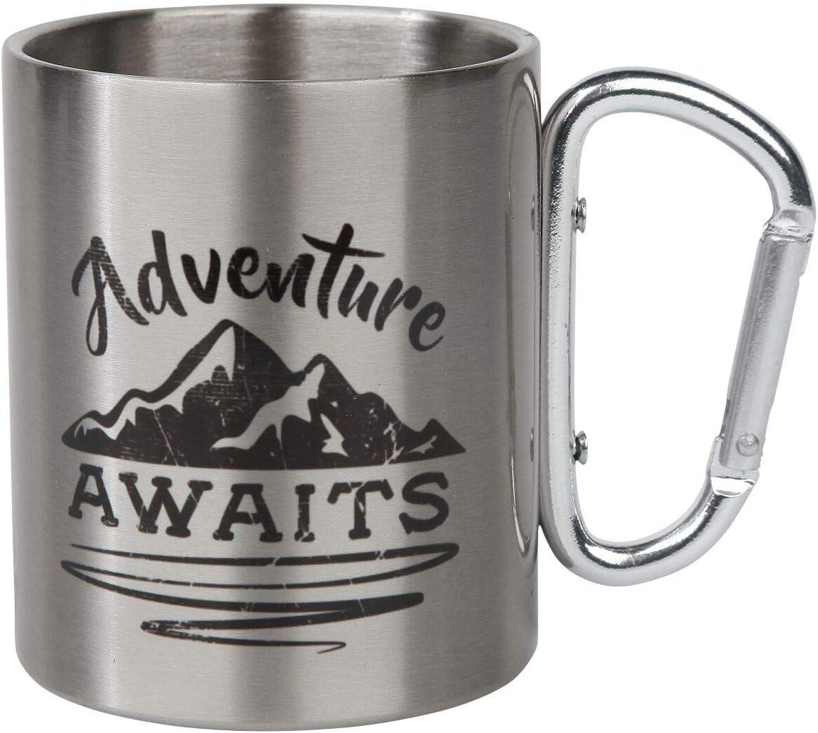 Adventure Awaits Tasse mit Karabinerhaken Unisex Tasse silberfarben