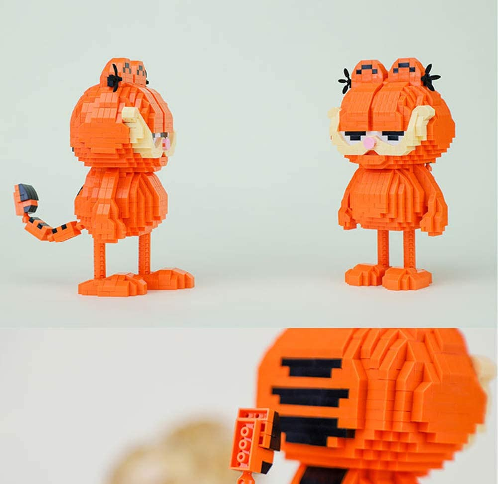 Mini Building Blocks for Boys Girls Cartoon Cat Blocks Toys Garfield Cat Model 1032Pcs