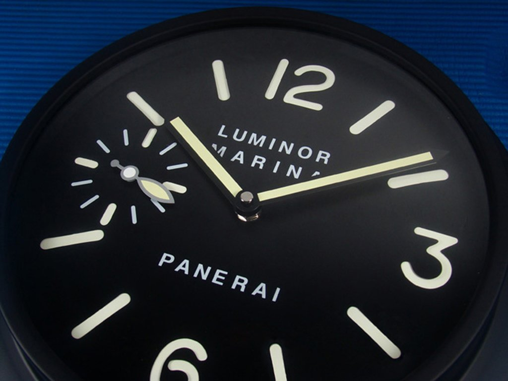 Amazon.com: Panerai Luminous Silent Sweep Wall Clock, Black: Home & Kitchen
