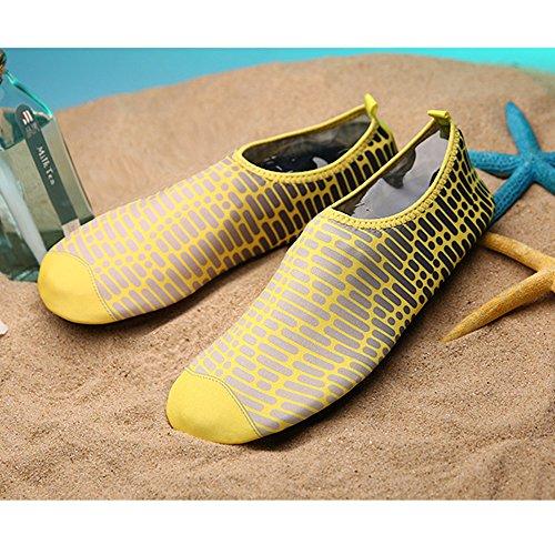 XINYI Aqua playa nadar zapatos de agua de secado rápido Slip On Piel Zapatos de Yoga calcetines para Unisex, tela, negro 1, 3XL43-44 amarillo1