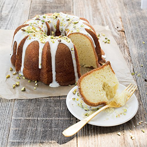 Nordic Ware 50077 Anniversary Bundt, 12 Cup, Gold by Nordic Ware (Image #5)