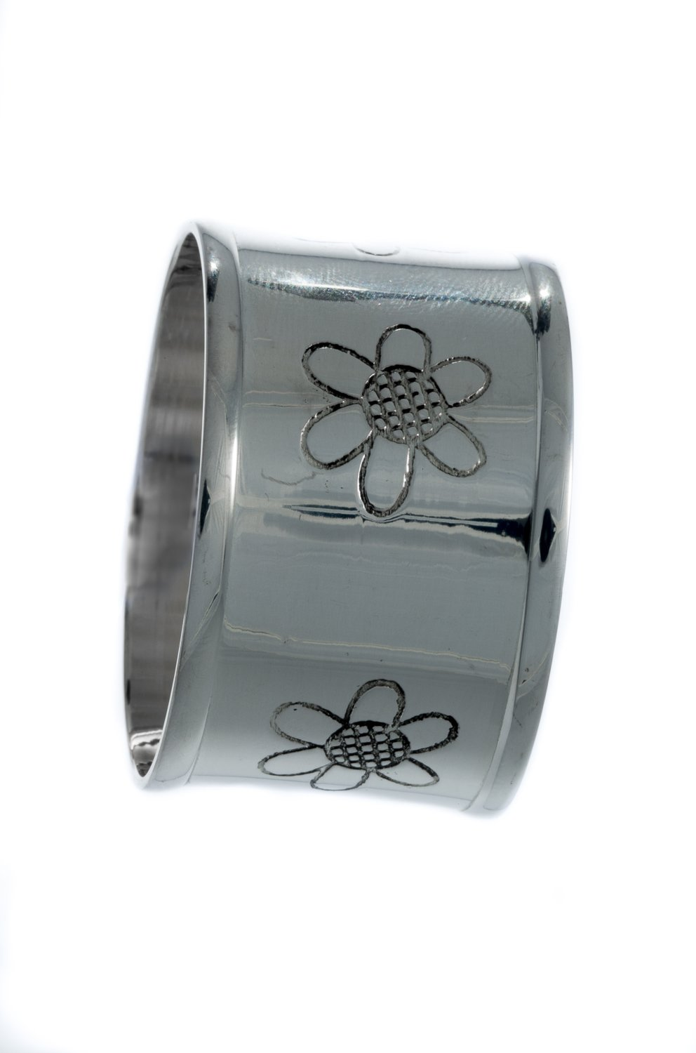 Set of 8 Beautiful Daisy Design Silver Colour Napkin Rings by Libby's Market Place ~ From UK Seller Libby's Marketplace