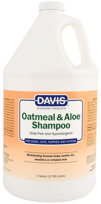 Davis Oatmeal and Aloe Dog and Cat Shampoo, 1-Gallon by Davis