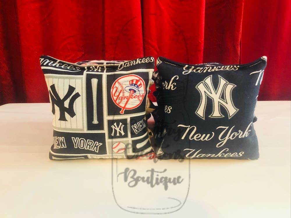 NY Yankees Embroidered Cornhole Corn Hole Bags Set of 8 with Storage Bag