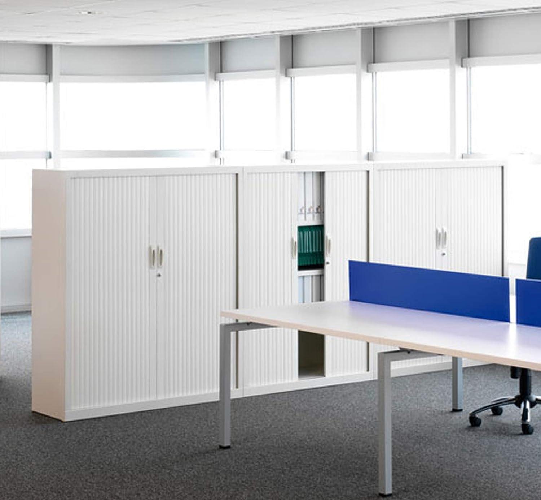 Armario metálico con puertas de persiana de 80x105x45 (ancho/alto/fondo) color blanco RAL 9003: Amazon.es: Oficina y papelería