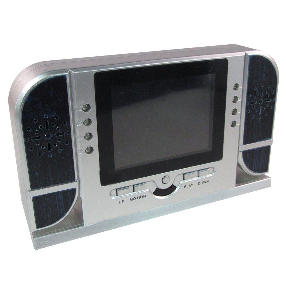 液晶モニターが搭載された 置き時計型ビデオカメラ 撮影した動画や静止画をその場で確認!! コンセント繋ぎながらの撮影も可能な為、24時間連続撮影可能 更にはSDカードに入れた動画や映画を見る事も可能!! 多機能なデジタル置き時計型防犯ビデオカメラ B00KLPHP1Q