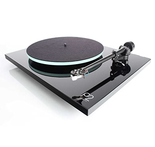 Rega Planar 2 Turntable with RB220 tonearm