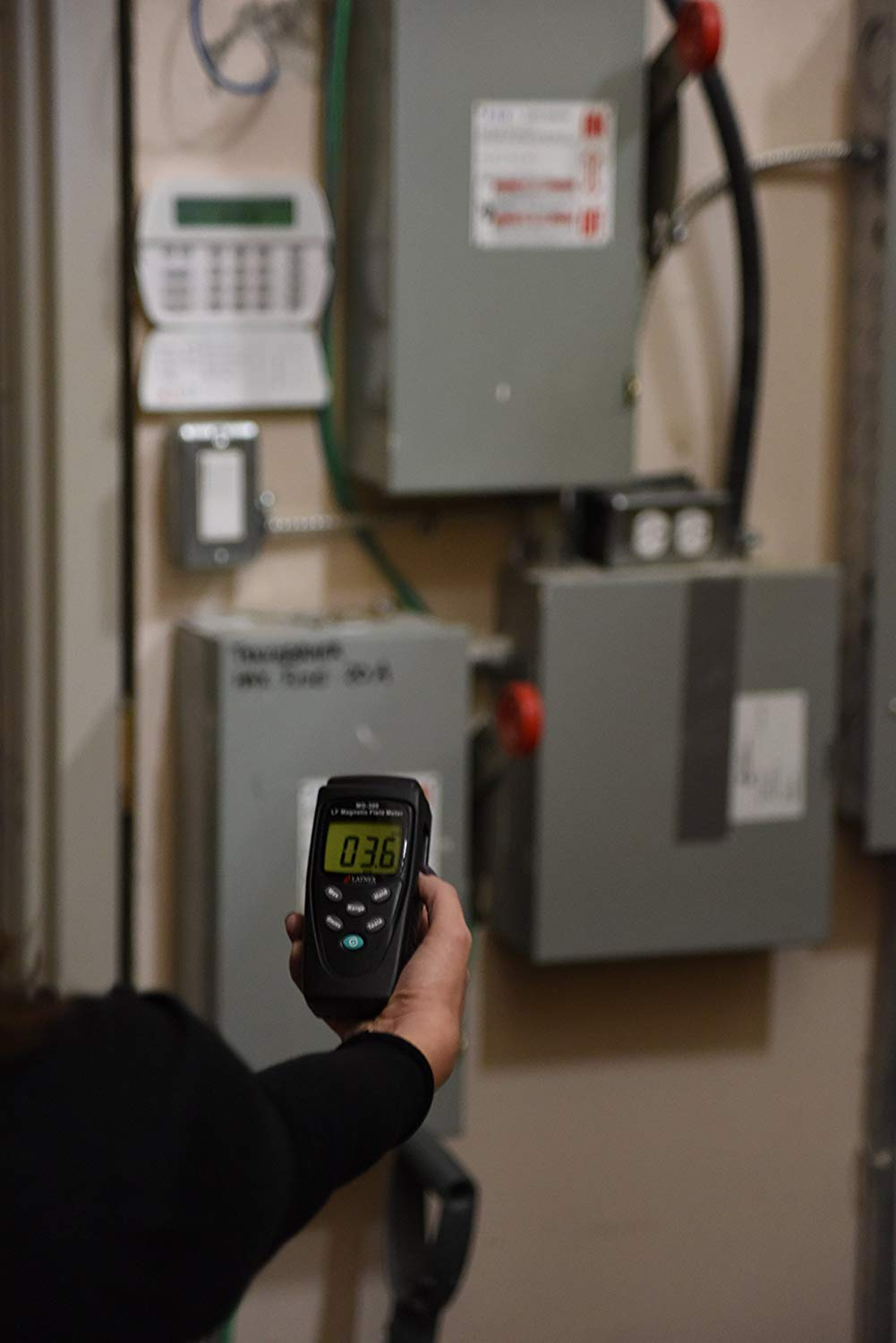 Measures EMF Radiation from High-Power Transmission Lines LATNEX MG-300 LF magnetic Field Meter Appliances Used for EMF Home Inspectios LATNEX ® Electrical Wires