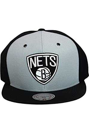 more photos bc08f 07c80 Brooklyn Nets Snapback Hat NBA Pinwheel Mitchell Ness
