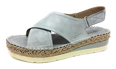 47fd12b1b67 CIPRIATA Womens Low Wedge Comfort Sandals Silver Shimmer  Amazon.co ...