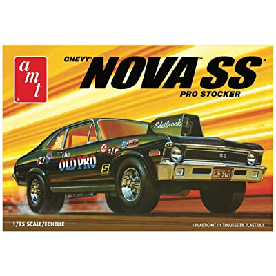 AMT AMT1142M 1/25 1972 Chevy Nova SS Old Pro 2T: Toys & Games
