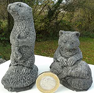 Tamaño pequeño de suricata (9cm de alto) y pequeño mapache (7cm de alto). Bekki de jardín Bits con mano fundido piedra adorno de jardín.