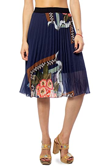 Falda desigual mujer