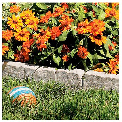 Suncast Interlocking Border Edging - Stone -Like Poly Construction for Garden, Lawn, and Landscape Edging - Water Resistant Border for Containing Trees, Flower Beds and Walkways - Light Taupe -Gray