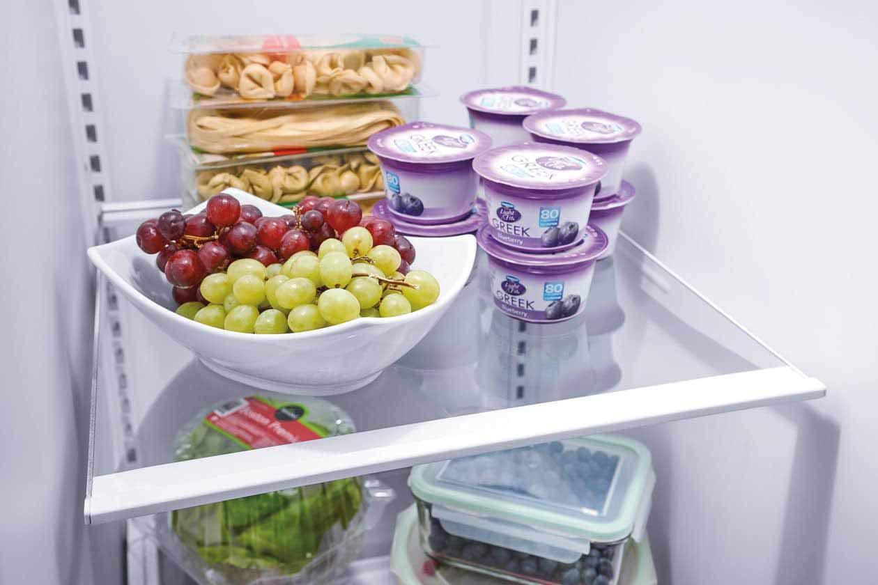 Capacity ft in Ebony Frigidaire FFSS2315TE 33 Inch Freestanding Side by Side Refrigerator with 22.1 cu