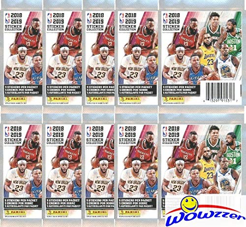 2018/19 Panini NBA Basketball Sticker Collection of 10 Factory Sealed Packs with 50 Brand New MINT Glossy Stickers! Look for Stickers of Top Superstars including Curry, Lebron, Durant & More! WOWZZER! ()