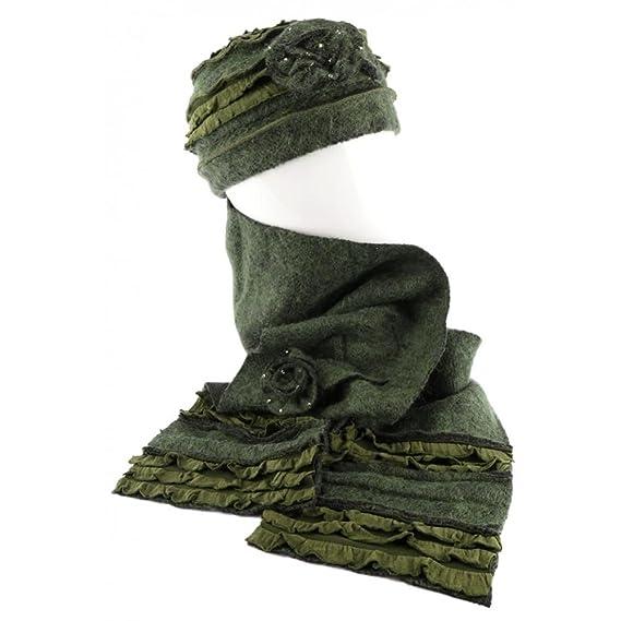 Léon montane Bonnet Echarpe Vert en Laine Bouillie Mona  Amazon.fr ... ee1ec42c9fa