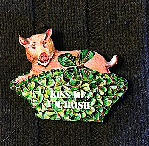 St Patrick's Day Pig Pin Brooch, Handcrafted Wood, Irish Pig Magnet, Jewelry, March 17 Shamrock Basket, 1950s Decor Party Decoration Kiss Me