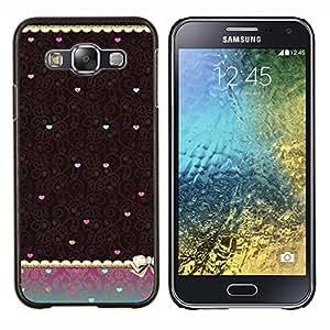KLONGSHOP // Cubierta de piel con cierre a presión Shell trasero duro de goma Protección Caso - Corazón del trullo de Brown del papel pintado de la vendimia - Samsung Galaxy E5 E500 //