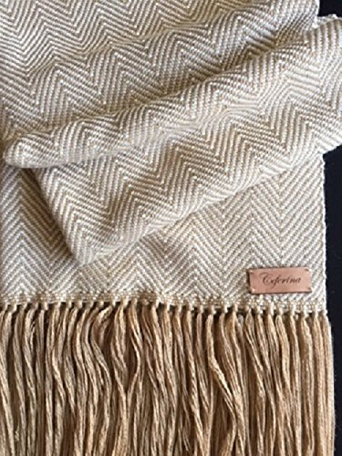 Tassels throw combined with merino made by artisans from Argentina 100% loom handmade by Ceferina