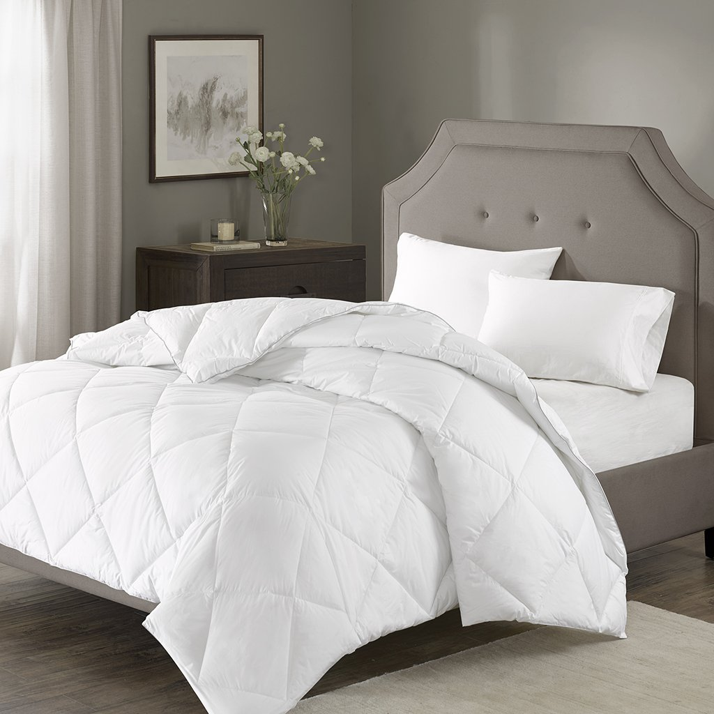 Amazon com madison park signature mps10 101 1000 thread count cotton blend down alternative comforter king california king white home kitchen