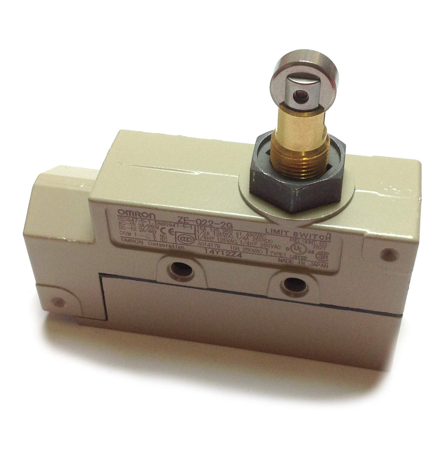 Omron ZEQ222G Enclosed Limit Switch, 125 VAC, 15 A, 2.45 - 3.43 N Operating by Omron