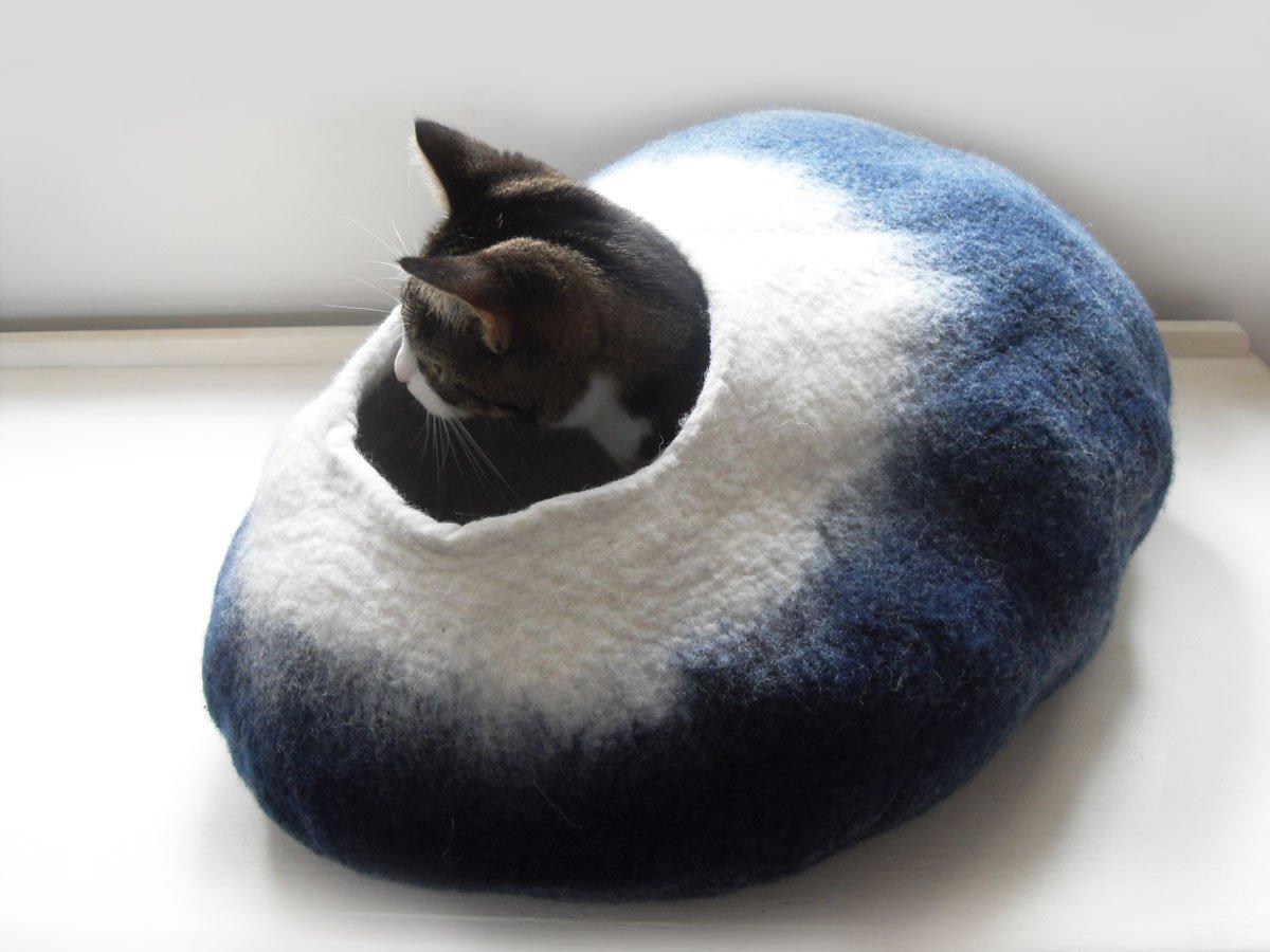 Cat Bed Cave Cocoon From 100% Merino Wool (Medium): Amazon.co.uk: Pet  Supplies