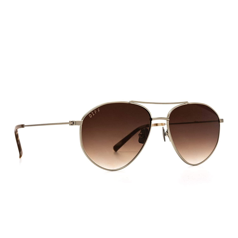71e5268ec Amazon.com: DIFF Eyewear - Scout - Designer Aviator Sunglasses for Men &  Women - 100% UVA/UVB [Polarized] (Brushed Silver + Brown Gradient Lens  (Mocha ...