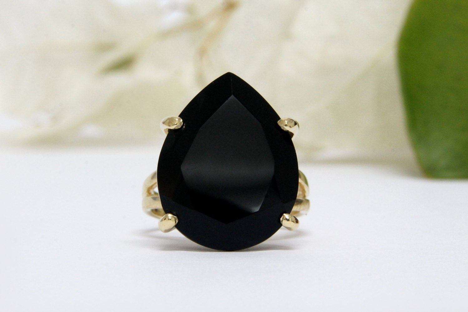 Anemone Jewelry Black Onyx Cocktail Ring - Elegant 20mm/16mm 14K Gold Ring for Ladies - Jewellery for Special Occasions and Daily Use [Handmade]