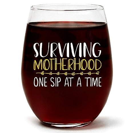 Amazon.com: Copa de vino divertida para el día de la madre ...