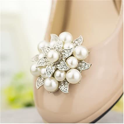 Amazon.com  Casualfashion 2Pcs Fashion Rhinestones Pearls Flowers Crystals  Wedding Party Shoe Clips (Silver)  Arts a251f54c16