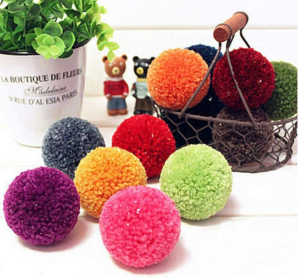 Inicio Pom Pom Maker 8 Pcs 4 Code en Plastique en Peluche Boule /À Tricoter Outil M/énage Moelleux Boule Maker Diy Artisanat Outil Aiguille Weaver