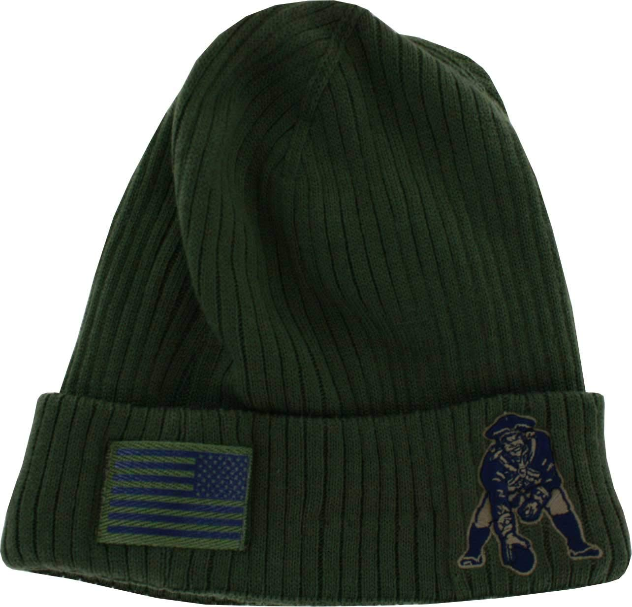 877960e8231 Amazon.com   England Patriots Throwback 2018 On Field Salute to Service  Knit Hat   Sports   Outdoors
