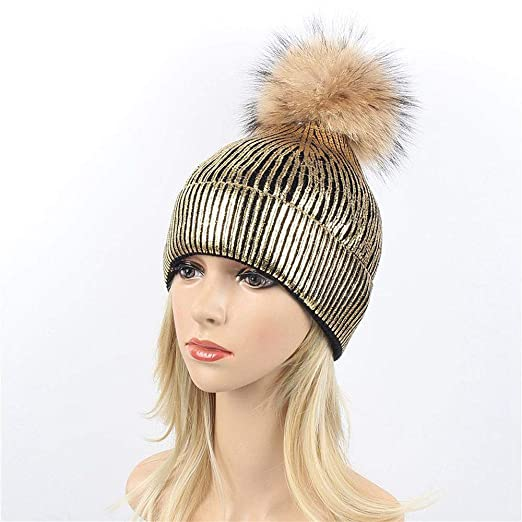 360144a37cb5e Amazon.com  CHIDY Women Large 15cm Ball Warm Knit Beanie Bobble Ski Hat  Knitted Cap Cute Plush Hat Christmas Theme Cap  Clothing