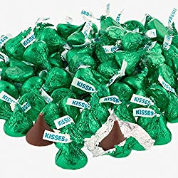 Hershey's Kisses Milk Chocolate, Green Foils (Pack of 2 Pound)