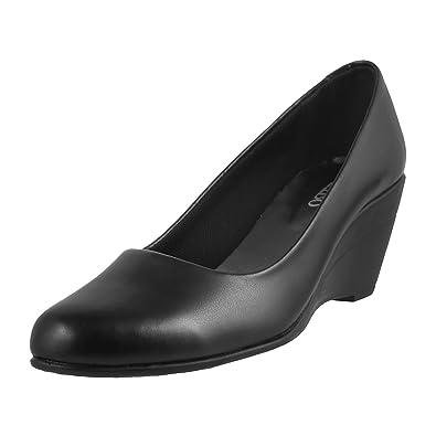 73f22138a21d0 Metro Women's Black Pumps-3 UK/India (36 EU) (31-6107-11): Buy ...