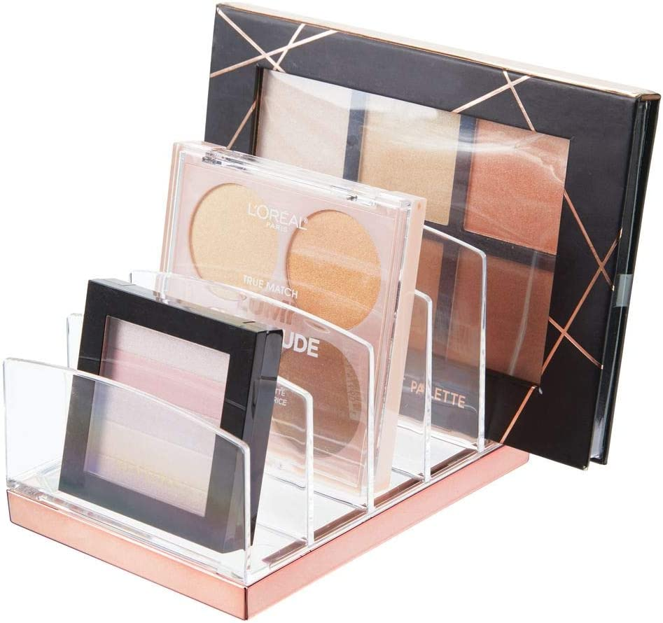 mDesign Organizador de maquillaje en plástico – Clasificador con 5 compartimentos para organizar maquillaje – Bandeja organizadora para lavabo, tocador o armario – transparente/dorado rojizo