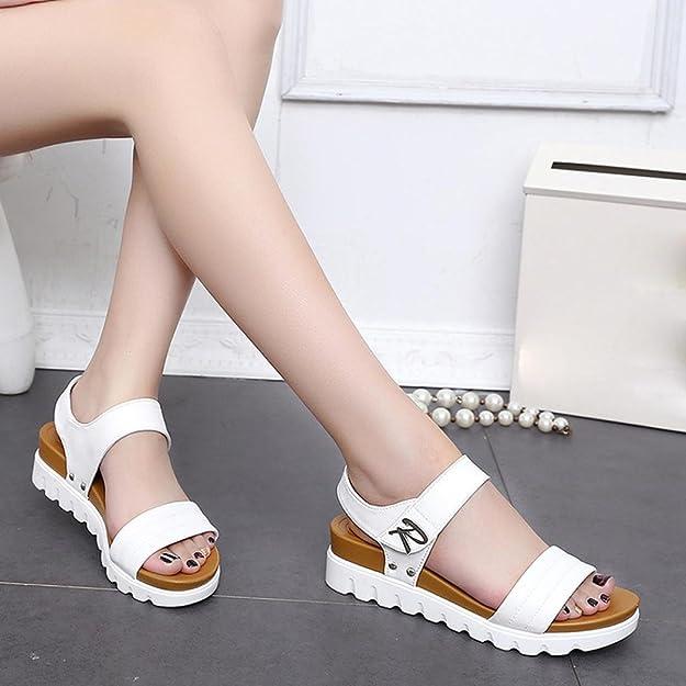 88a9f98f652 OHQ Sandales Mode à Semelles éPaisses pour Femmes Noir Blanc D éTé âGéEs  Plates De Confortables Dames Chaussures Cuir Tropeziennes Strass Blanche  Marron ...