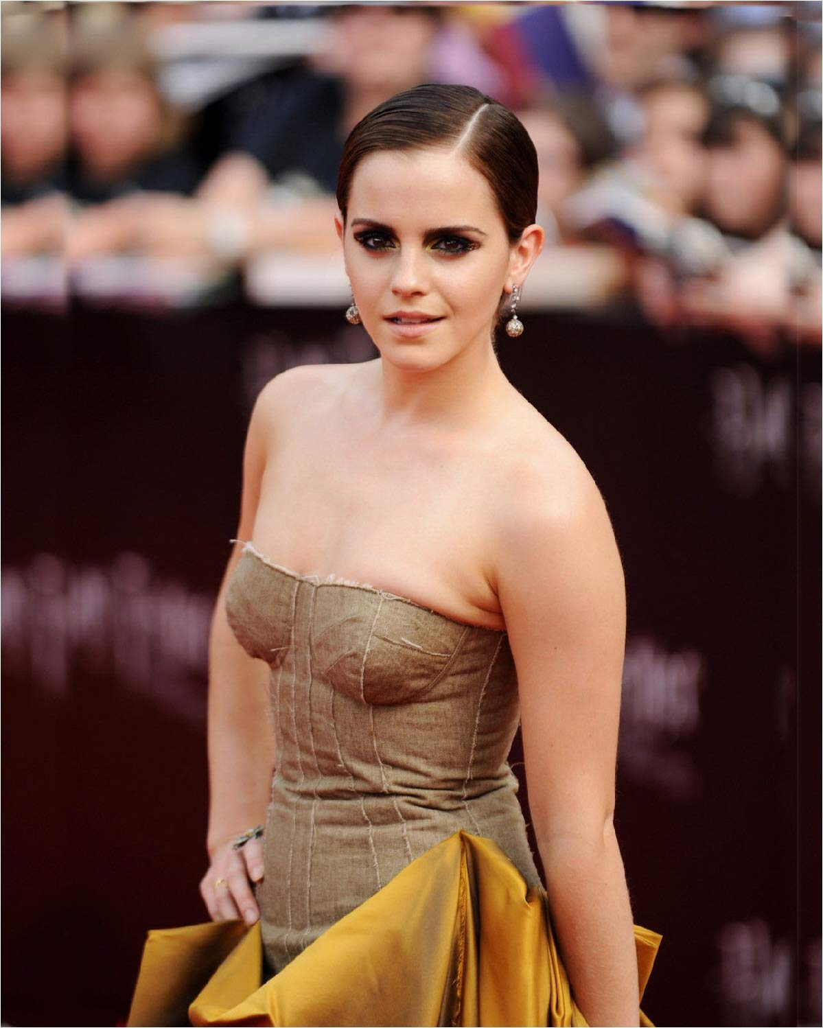 No white or black borders What you see is what you get No Image is Cropped Emma Watson 8x10 Photo #EW09