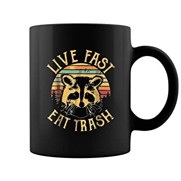 Amazon.com: Live Fast Eat taza de café con diseño de camping ...