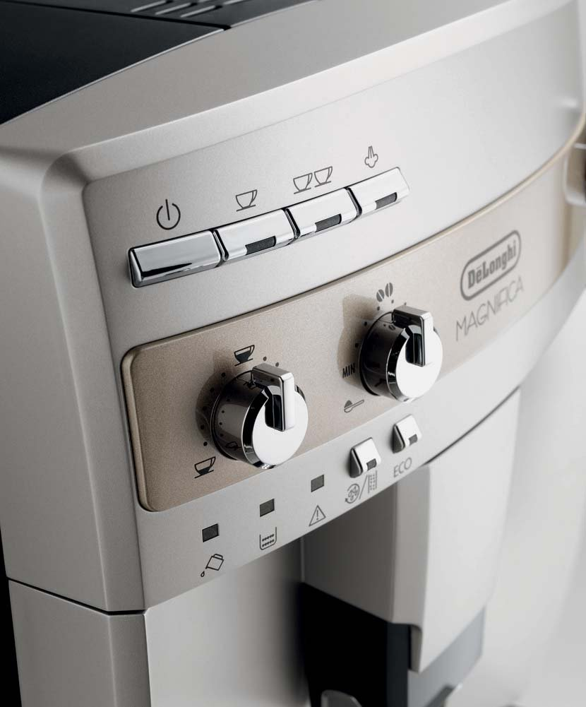 DeLonghi ESAM3300 Magnifica Super-Automatic Espresso/Coffee Machine by DeLonghi