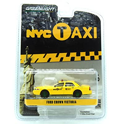 Greenlight 1:64 Hobby Exclusive - 2011 Ford Crown Victoria - New York City (NYC) Taxi: Toys & Games